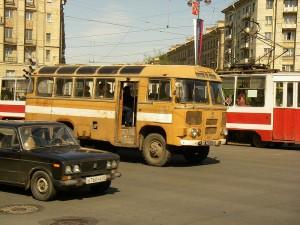 800px-PAZ_672