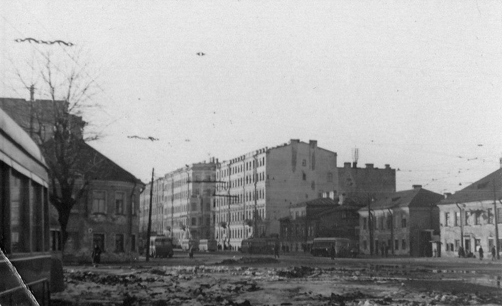 Площадь Александра Невского и Невский проспект, 1942 год